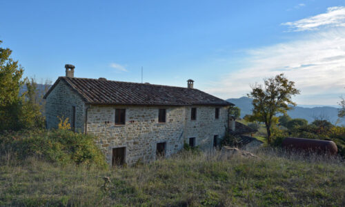 Restored  farmhouse near Valfabbrica Photo 1