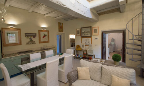 Historic palazzo in Trevi for sale Photo 1